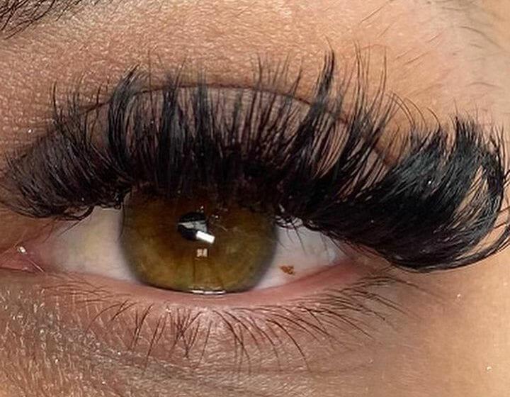 Eyelashes at Flawless Glo